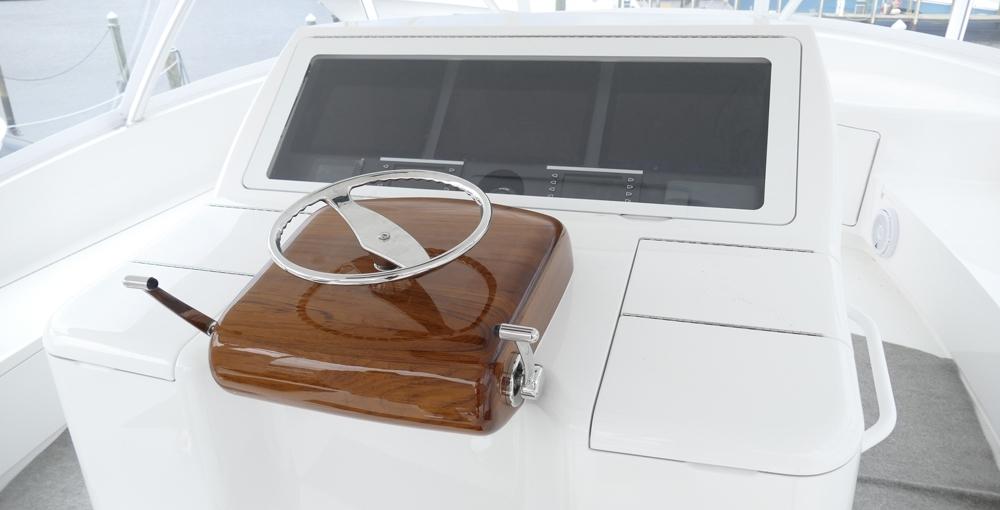 Atlantic Marine Electronics Viking 72 Demo steering